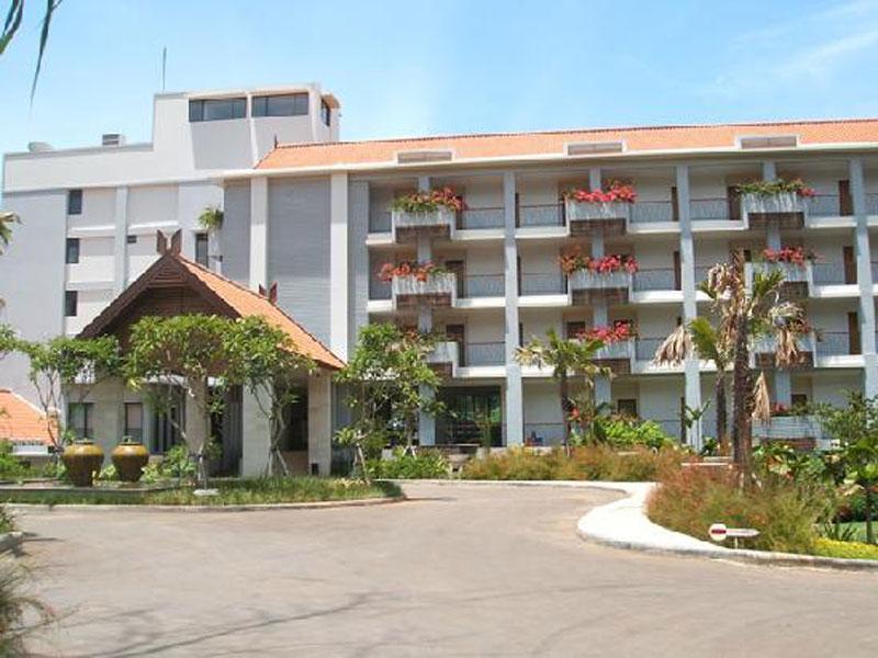 BINTANG-FLORES-HOTEL